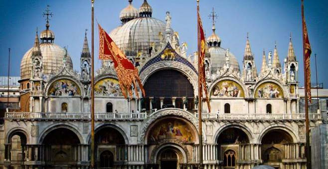 basilika-san-marco-v-venezii
